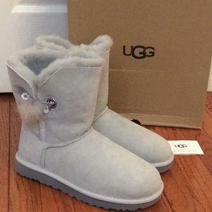 🆕 UGG gray Swarovski crystal Pom Pom boots- sz 10